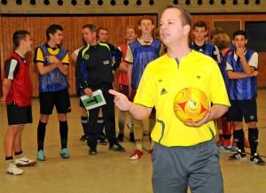 Da geht's lang - Marcus Schierbaum erklärt Futsal