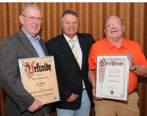 Geehrt: Walter Horstmann und Wilhelm König mit Nachfolger Walter Klußmann