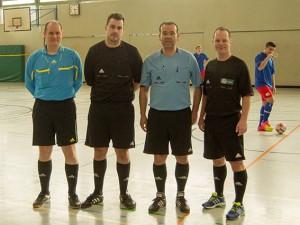 Die Schiedsrichter Sebastian Lieke (Hildesia Diekholzen), Florian Deckwert (VfB Oedelum), Miguel Rey-Lamas und DFB-Futsal-SR Marcus Schierbaum (beide TuS Hasede) hatten keine Probleme.