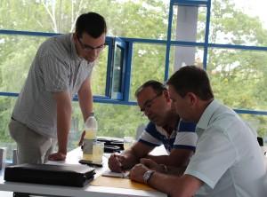 Lennart, Miguel und Marcin bei der Arbeit