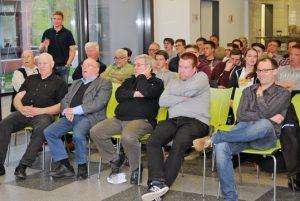 Robert Schröder referiert vor Hildesheimer Schiedsrichtern