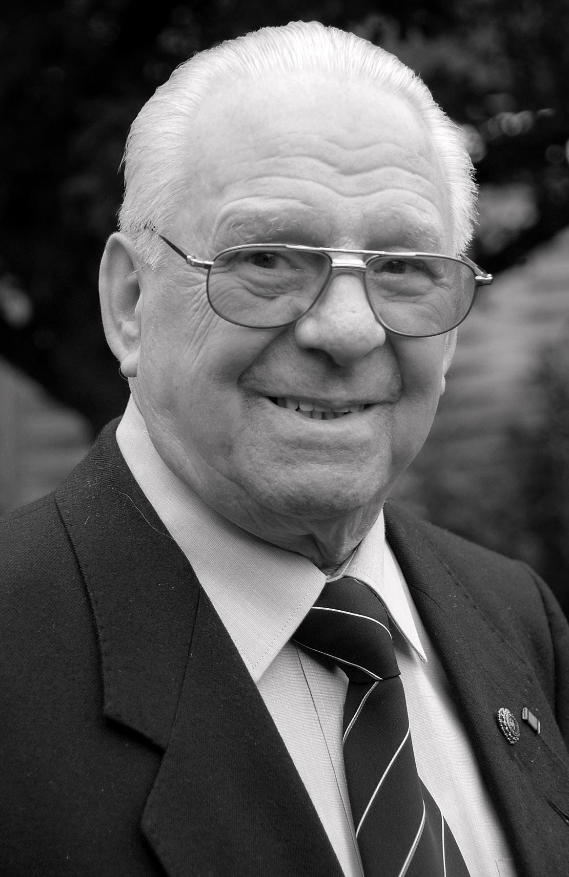 Der Ehrenvorsitzende des NFV-Kreises Hildesheim Heinz Richter ist verstorben.