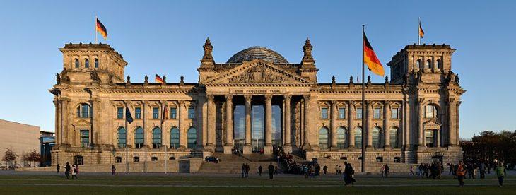 Reichstagsgebäude Berlin (c)Jürgen Matern / Wikimedia Commons