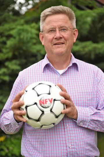 Der NFV-Kreisvorsitzende Detlef Winter feiert seinen 60. Geburtstag.